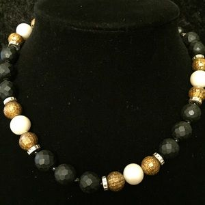 Jewelry - Vintage Faceted & Textured Glass Necklace JJ224